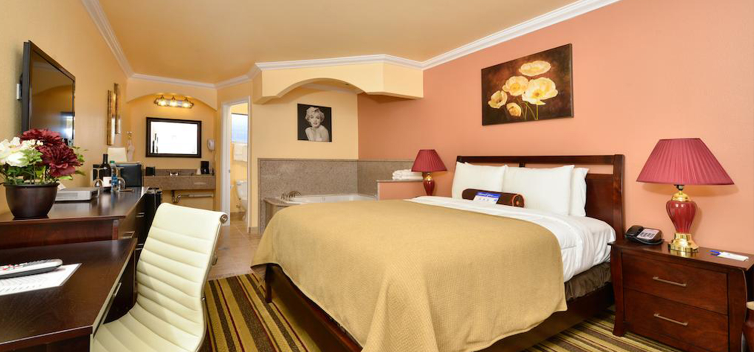 SPACIOUS AND WELL APPOINTED GUEST ROOMS FOR AN IDEAL STAY FOR BUSINESS OR LEISURE TRAVEL TO SAN FRANCISCO